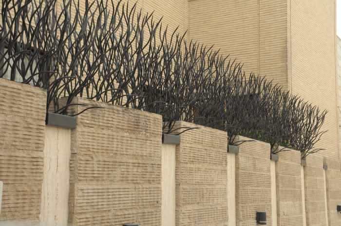 حفاظ-شاخ-گوزنی-دیوار-